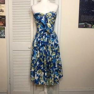 EUC Unique Vintage Strapless Dress - L
